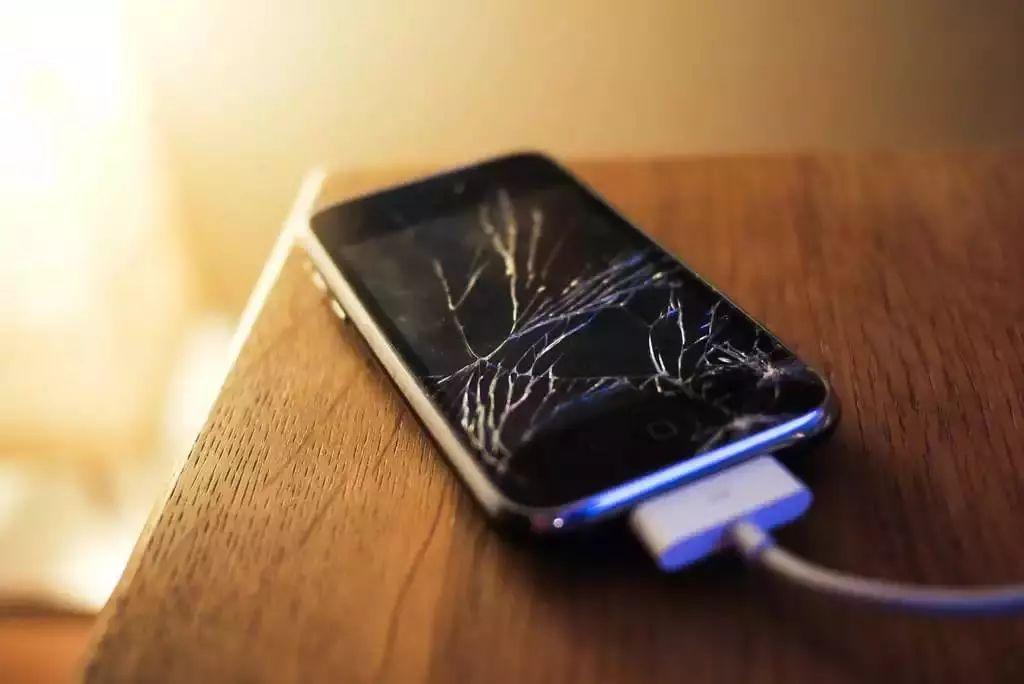 据说日本人再也不怕手机碎屏了   日本科技