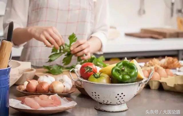 日本研究结果:吃得越清淡,老得越快,还可能惹来一身病!